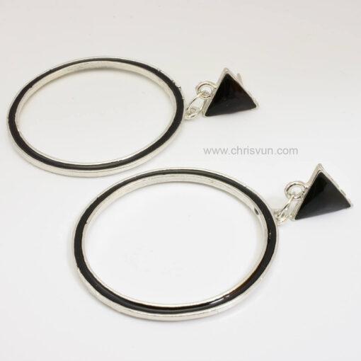 ต่างหูทรงสามเหลี่ยม-ห้อยวงกลมสีดำ-073-2