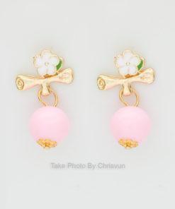 ต่างหูดอกไม้ ห้อยด้วยตุ้มสีชมพู-152-1